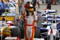 Alonso waving to the Spanish crowd