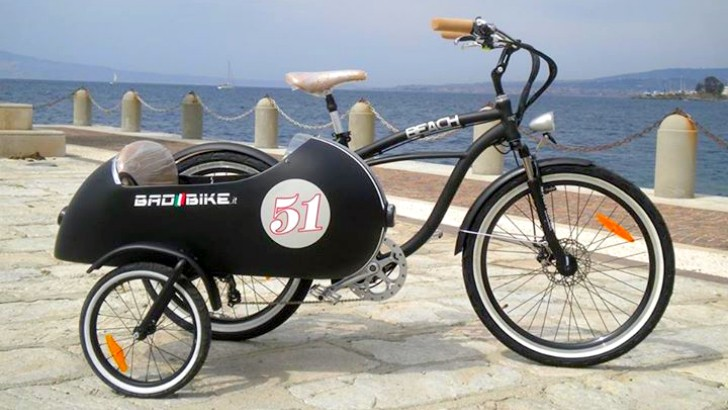 An electric sidecar bicycle how cool is that autoevolution for Is a bicycle considered a motor vehicle