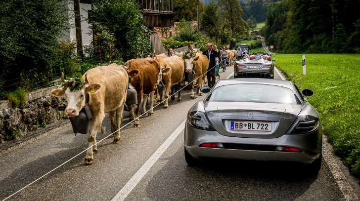 An SLR McLaren Convoy is a Sight to Remember in the Alps [Photo Gallery]