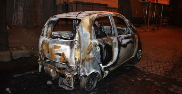 Another Tata Nano Catches Fire in Mumbai, India
