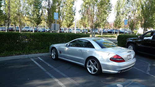 Apple iplates how steve jobs drives without license for Mercedes benz career