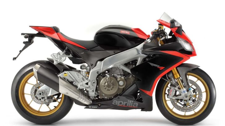 Aprilia RSV4 and Tuono V4 Are Ready for Test Riding