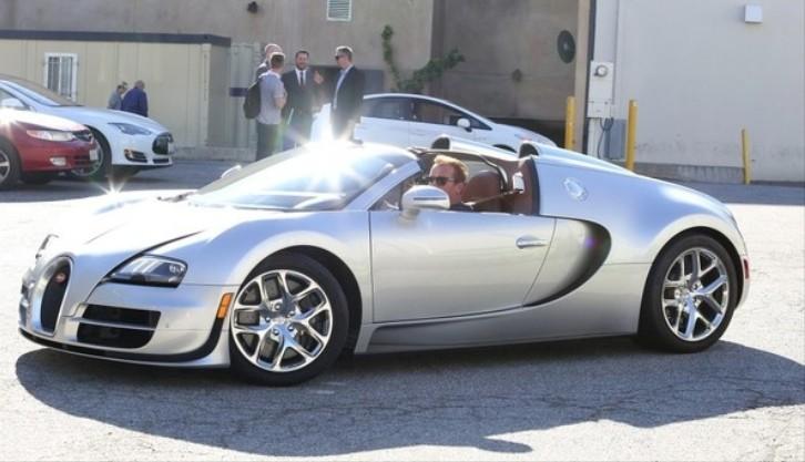Arnold Schwarzenegger Seen Driving His Bugatti Veyron