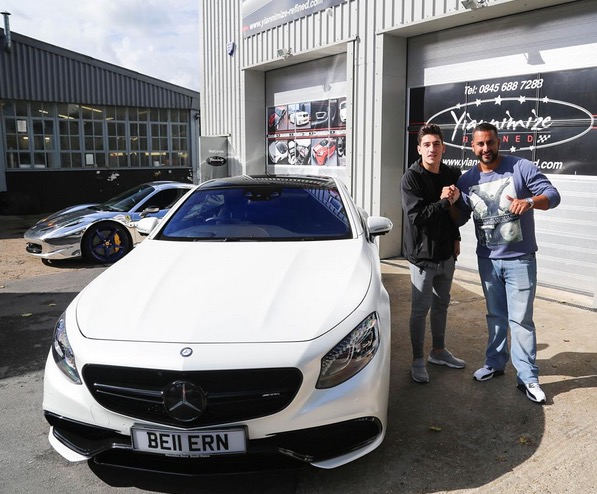 Arsenal star hector bellerin gets his mercedes benz s63 for Mercedes benz football