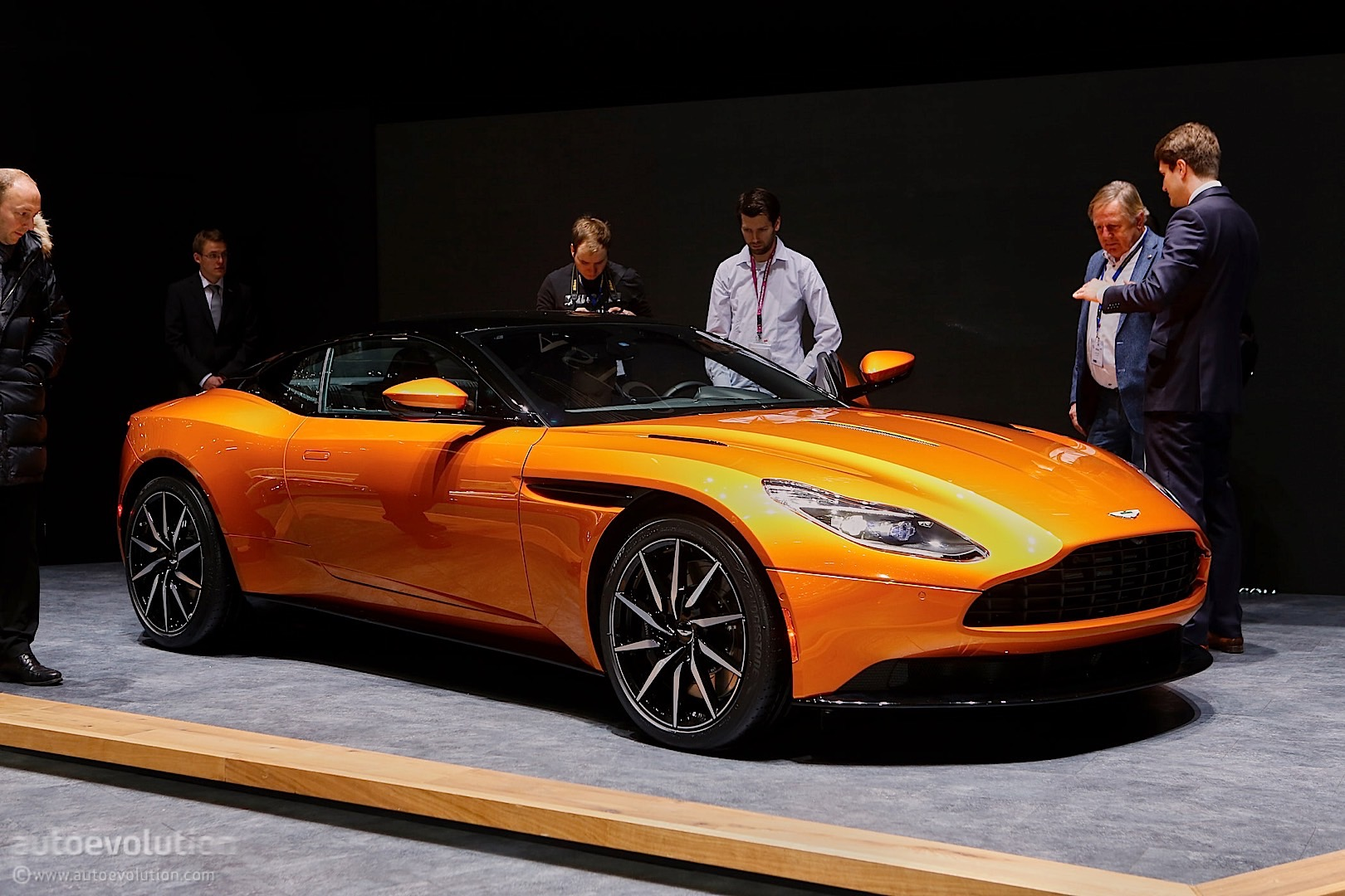 Aston Martin Db11 Demonstrates The Definition Of Evolution In Geneva Autoevolution