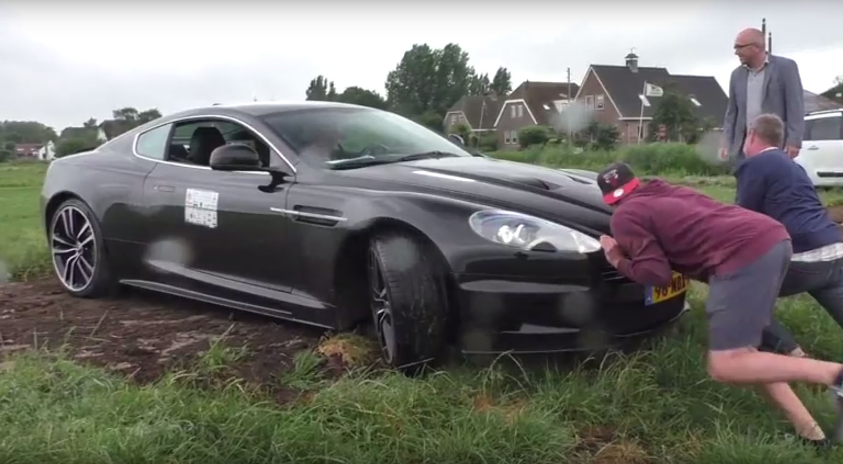 Aston Martin DBS Held In Place By Invisible Force Field Autoevolution - Aston martin dbs