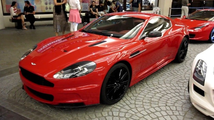 Aston Martin DBS Looks Good in Ferrari-Like Red [Video]