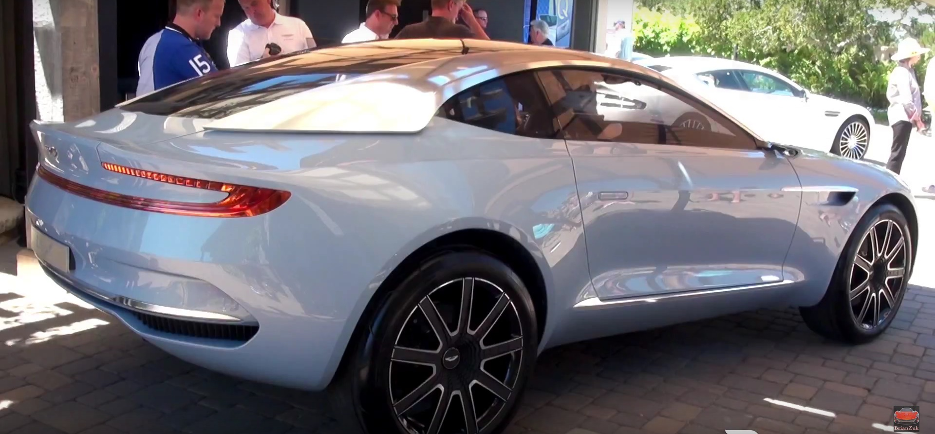 aston martin dbx concept makes us debut at pebble beach in new color autoevolution. Black Bedroom Furniture Sets. Home Design Ideas