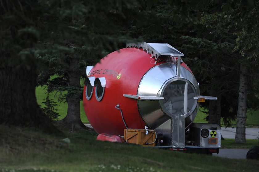 Solar Powered Camper >> Atomic Camper Is a Unique Solar-Powered Home-Made Trailer - autoevolution
