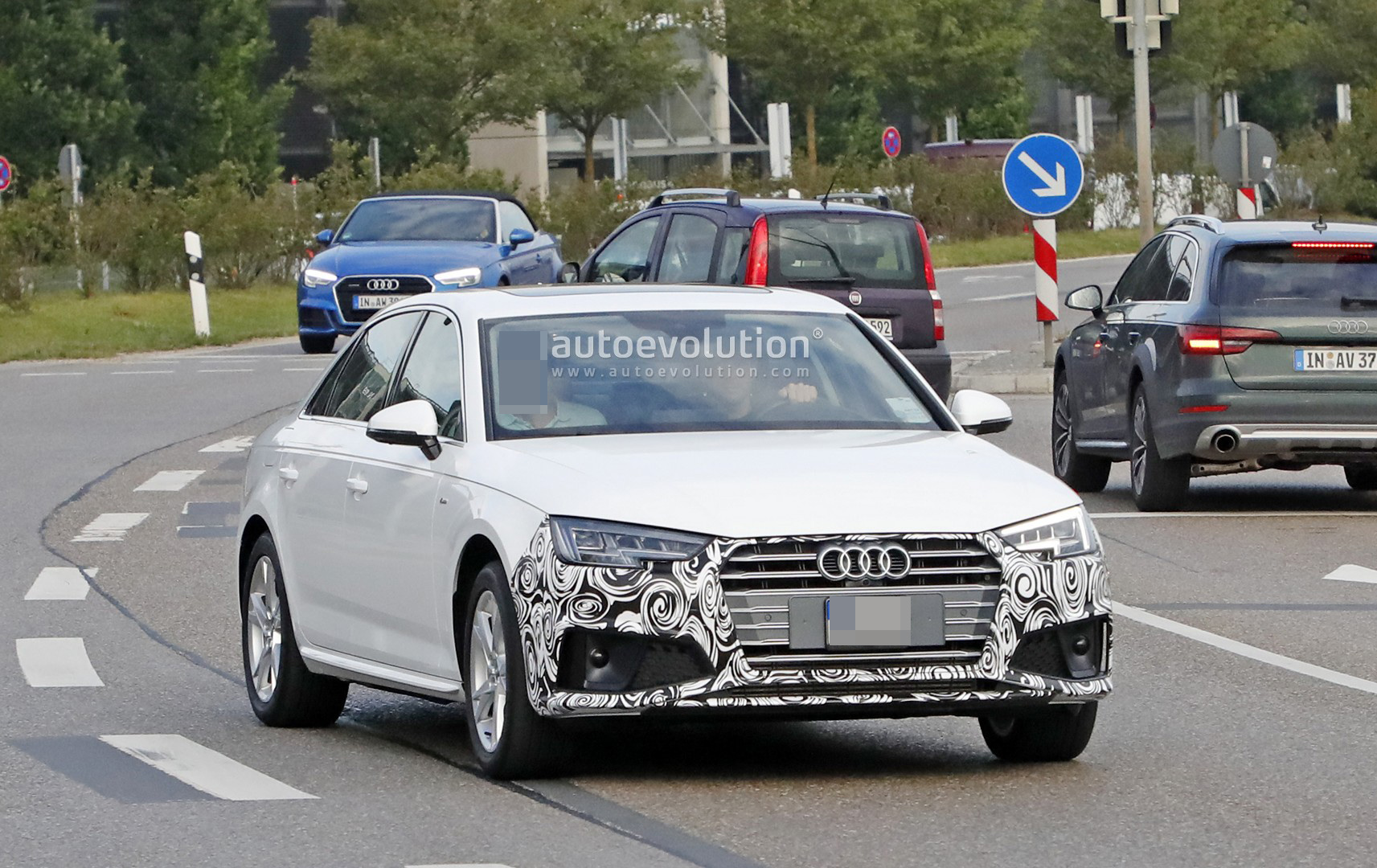 Spyshots 2019 Audi A4 Facelift Spied With Long Wheelbase Chinese