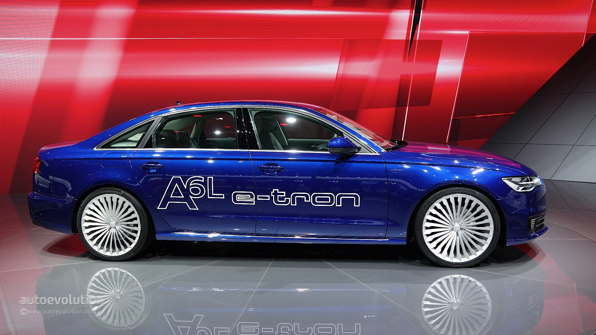 Audi A6 L E Tron Plug In Hybrid Debuts At Auto Shanghai