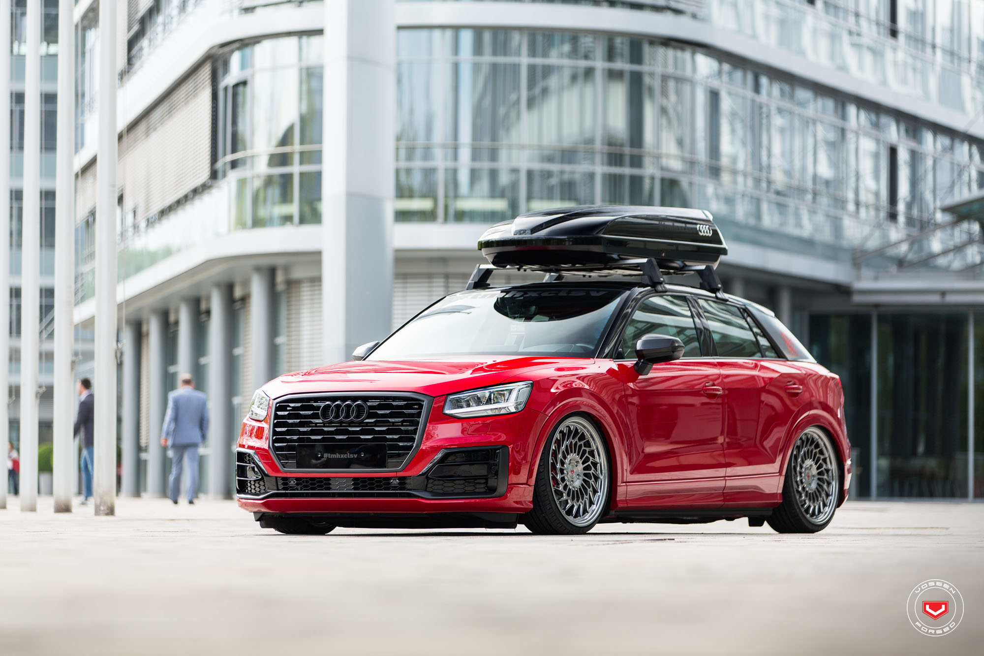 audi q2 gets custom vossen wheels and red roll cage autoevolution. Black Bedroom Furniture Sets. Home Design Ideas