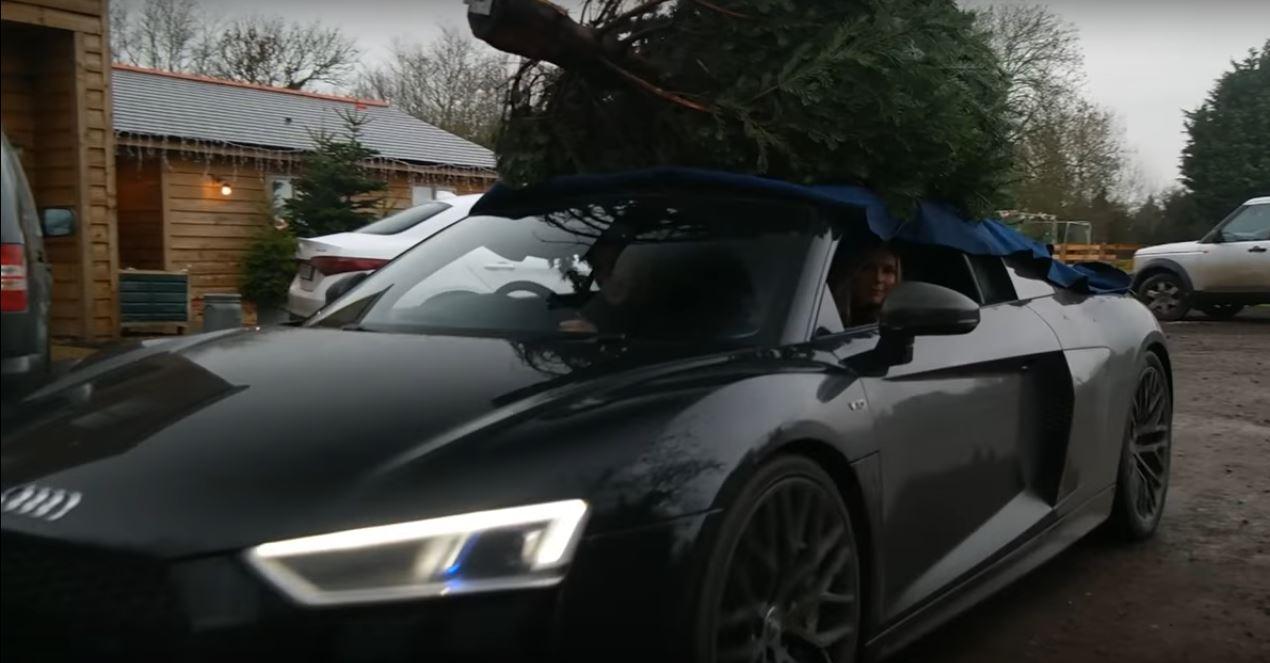 6 photos 2017 audi r8 couple goes christmas tree shopping - Christmas Tree Shopping