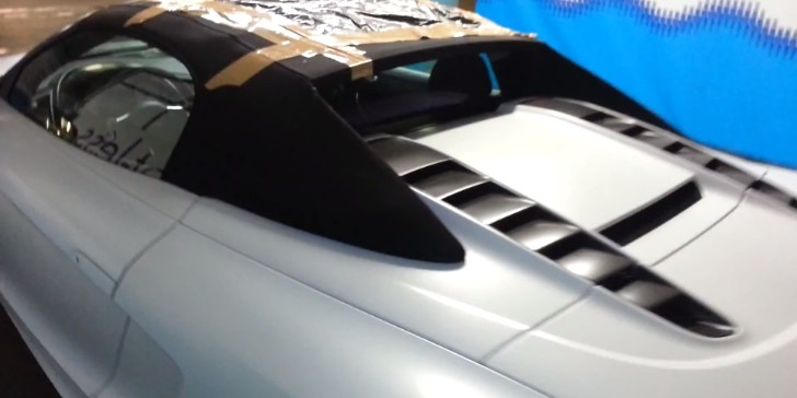 Audi R8 GT Spyder Gets Roof Slashed, Fixed with Tape [Video]