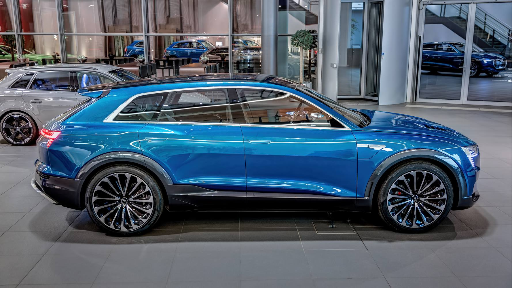 ... Audi E Tron Quattro Concept Arrives At Audi Forum Neckarsulm ...