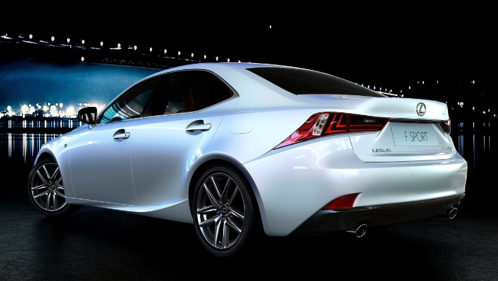 autoblog tests the 2014 lexus is 350 f sport autoevolution. Black Bedroom Furniture Sets. Home Design Ideas