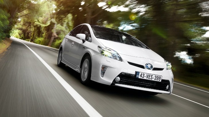 2013 Toyota Prius Tested by Automotive
