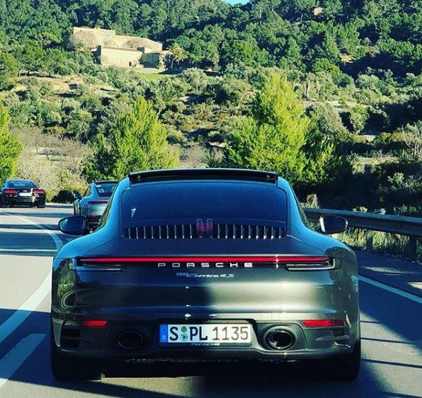 Aventurine Green 2020 Porsche 911 Looks Splendid In