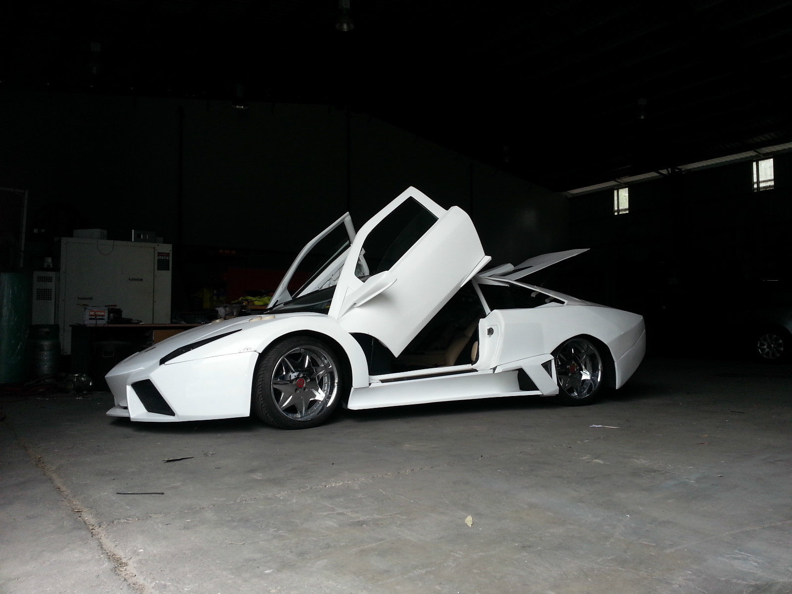 Awful Lamborghini Reventon Replica Fetches 28 000 Bid On Ebay