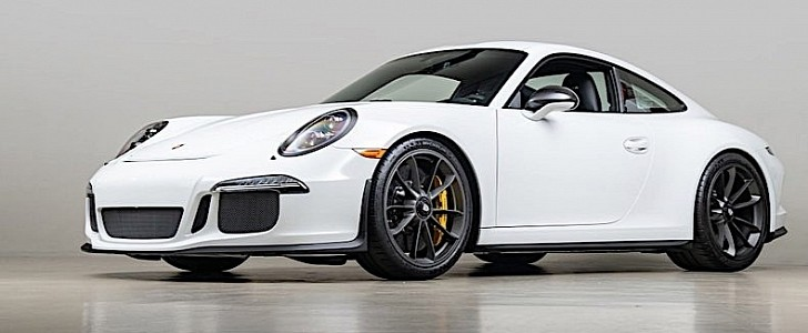 Barely Used Porsche 911 R Is a $200K Piece of Extreme German Engineering