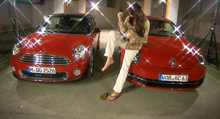 Battle of Convertibles: MINI Cooper vs VW Beetle [Video]
