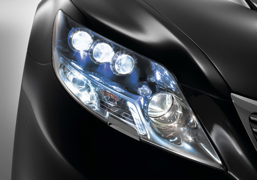 Headlights For Cars >> Battle Of The Headlights Halogen Vs Xenon Vs Led Vs