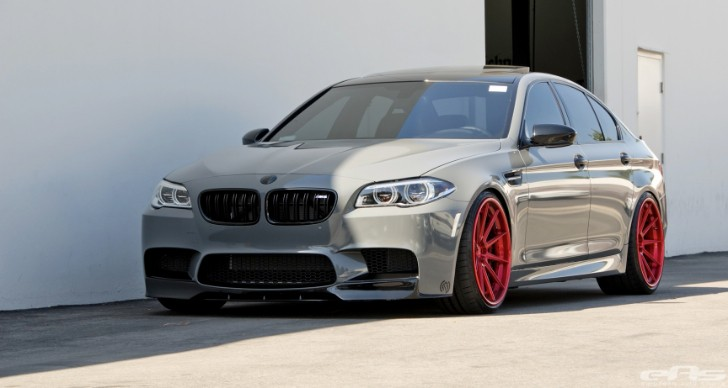 Battleship gray bmw f10 m5 jumps on dyno autoevolution for Bmw nasa garage juillet niort