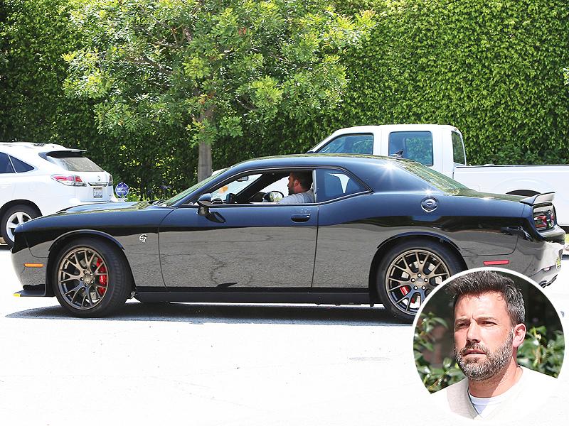 Dodge Challenger Hellcat Blue >> Ben Affleck Buys Challenger Hellcat, Batman Now Drives a Muscle Car - autoevolution
