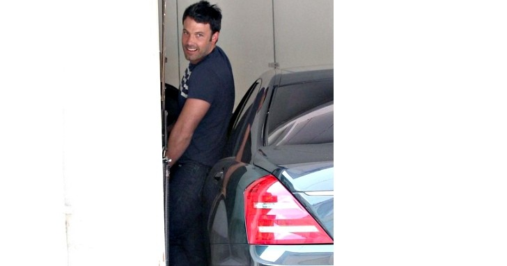 Ben Affleck Improperly Parks His S-Class