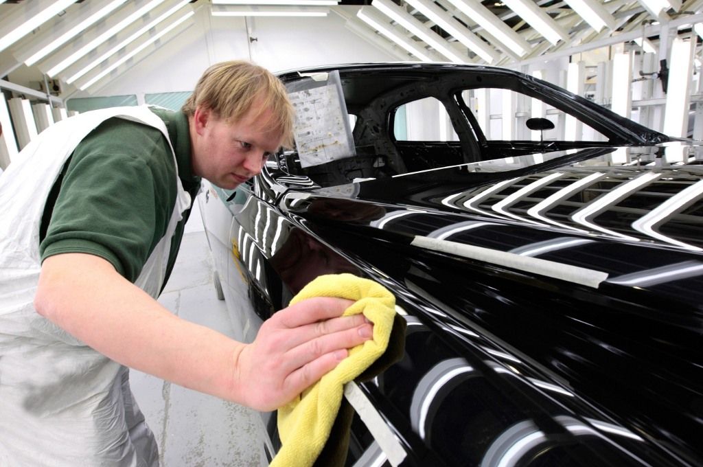 Bentley Details Mulsanne Paint Process - autoevolution