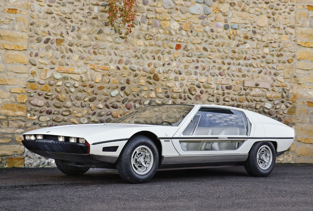 Bertone Sells Car Collection at Villa d'Este - autoevolution