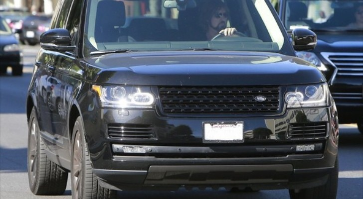 Billy Ray Cyrus Drives a New Range Rover