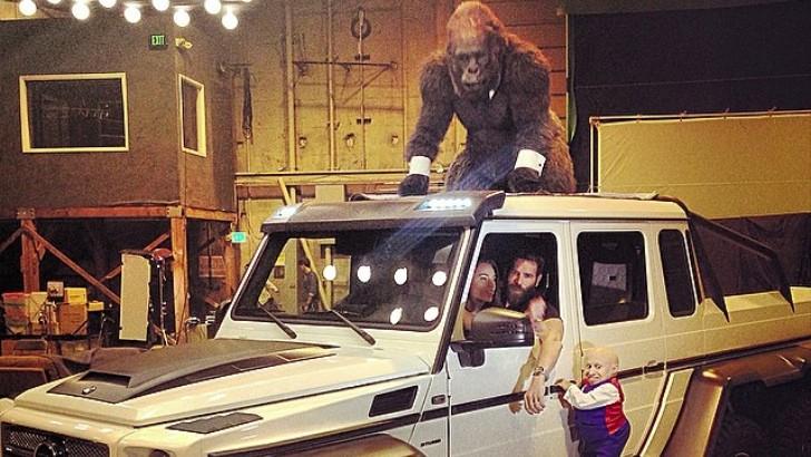 Dan Bilzerian Has Gorilla And Mini Me Posing On His Brabus G63 6x6 Amg Autoevolution