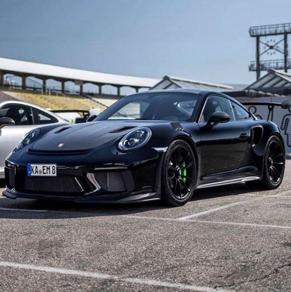 Black 2019 Porsche 911 GT3 RS With Lizard Green Calipers