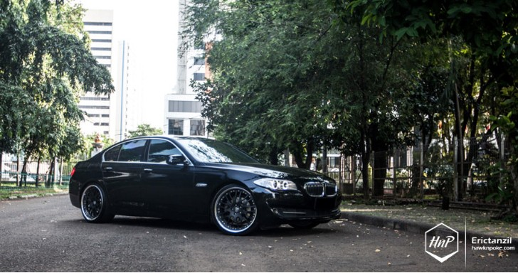 Black BMW F10 5 Series Shows Off Hamann Wheels