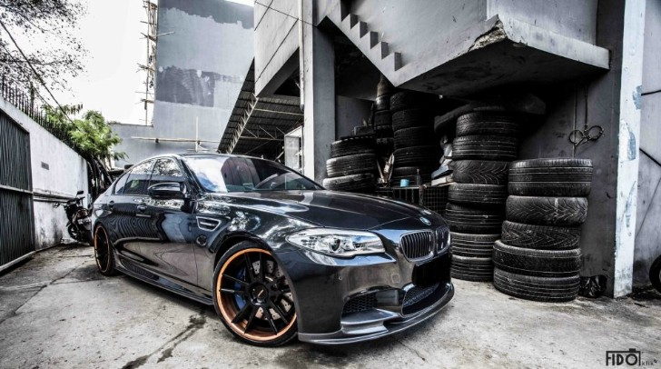 Black BMW F10 M5 Sits Tight on PUR Wheels [Photo Gallery]