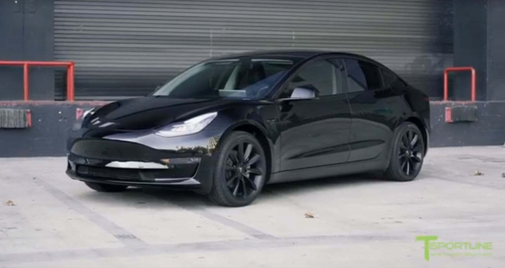 Nieuw Blacked-Out Tesla Model 3 Looks Set to Do a Drive-by Shooting VW-19