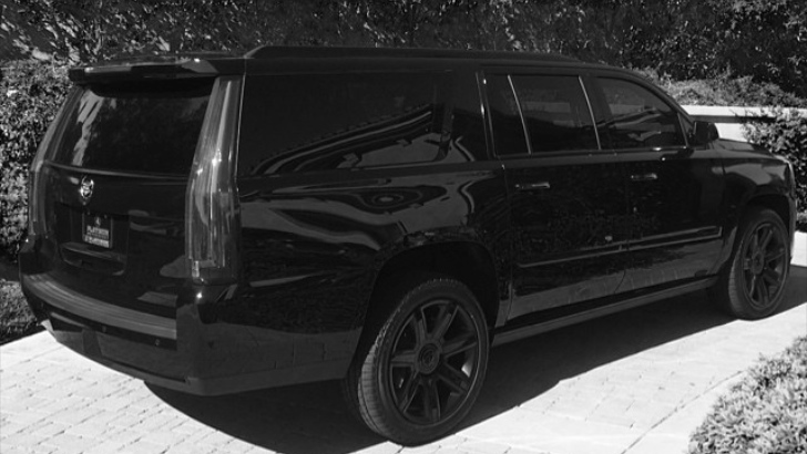 Blink 182 S Travis Barker Drops A 2015 Escalade Already