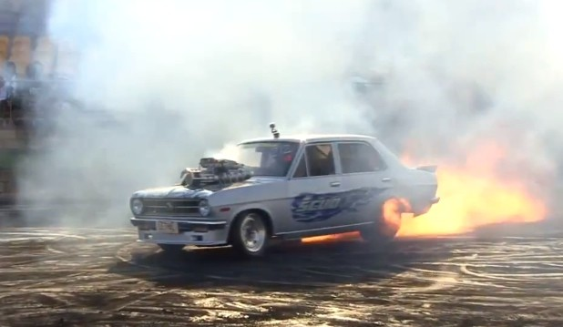 Blown Datsun Burns Some Rubber... Literally [Video]