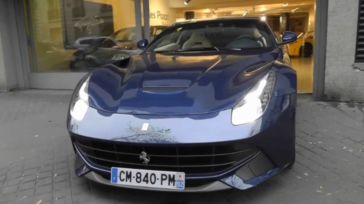Blue Ferrari F12 Berlinetta Spotted in Paris [Video]