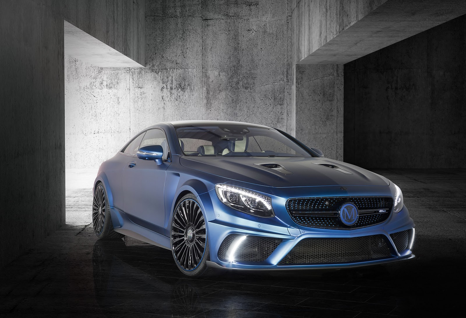 blue is the new black for the s63 amg coupe diamond edition says mansory autoevolution. Black Bedroom Furniture Sets. Home Design Ideas