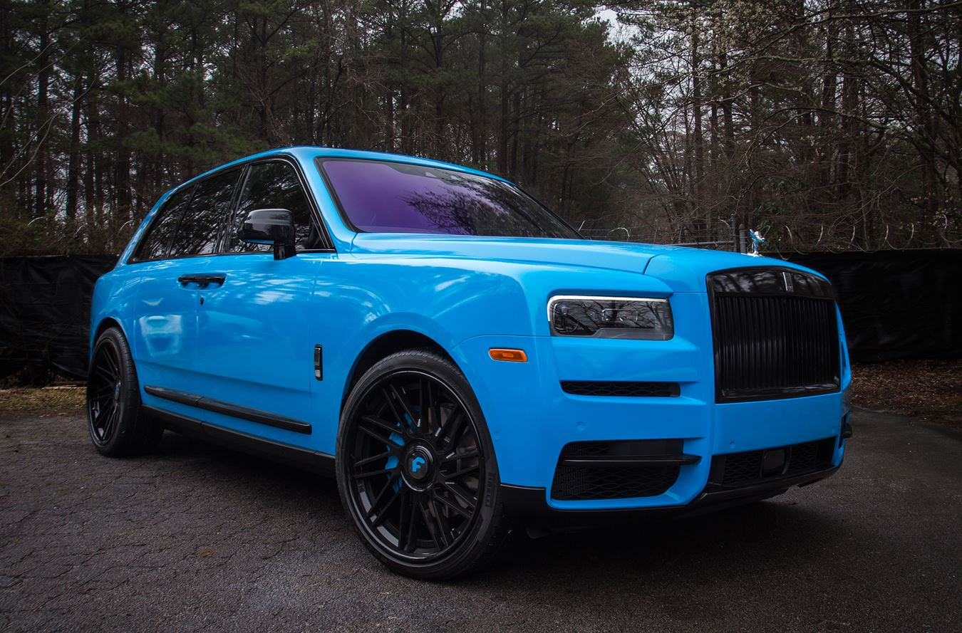 Blue Rolls Royce Cullinan On Forgiato Wheels Is Smurfing Autoevolution