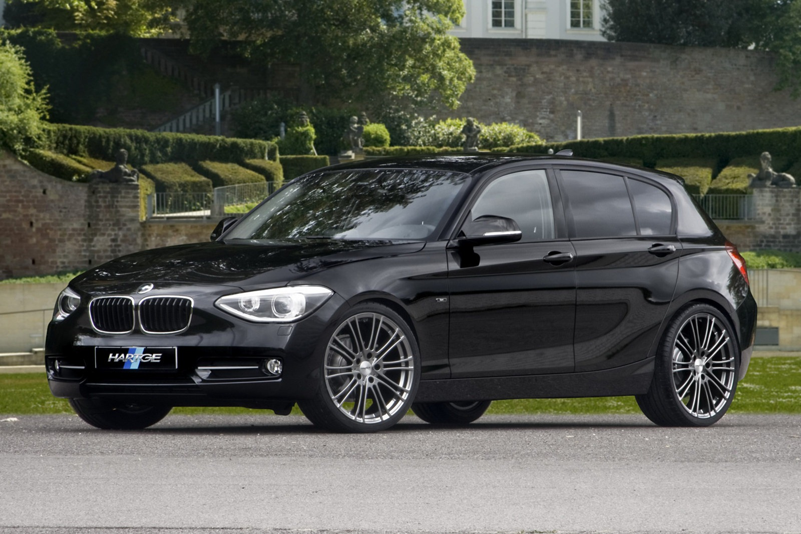 bmw 1 series tuned by hartge autoevolution. Black Bedroom Furniture Sets. Home Design Ideas