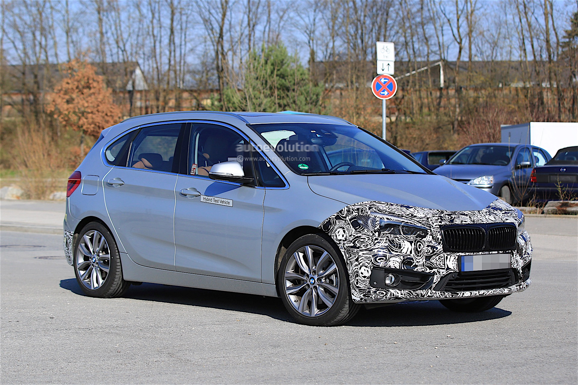 2018 bmw 2 series active tourer facelift spied for the first time autoevolution. Black Bedroom Furniture Sets. Home Design Ideas