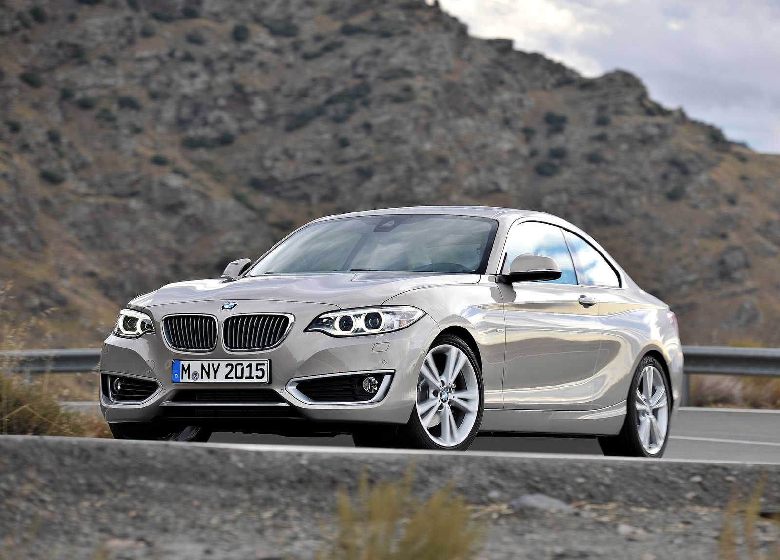 bmw 218d and 225d soon to join 2 series range autoevolution. Black Bedroom Furniture Sets. Home Design Ideas