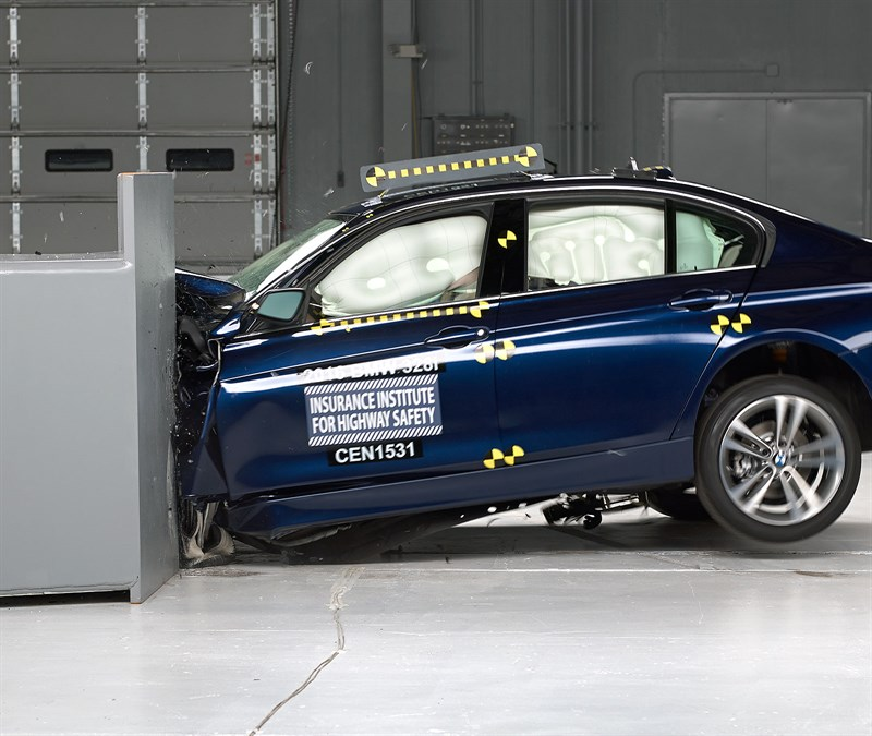 Bmw 3 Series Facelift Gets Tested By Iihs Doesn T Get Top Safety