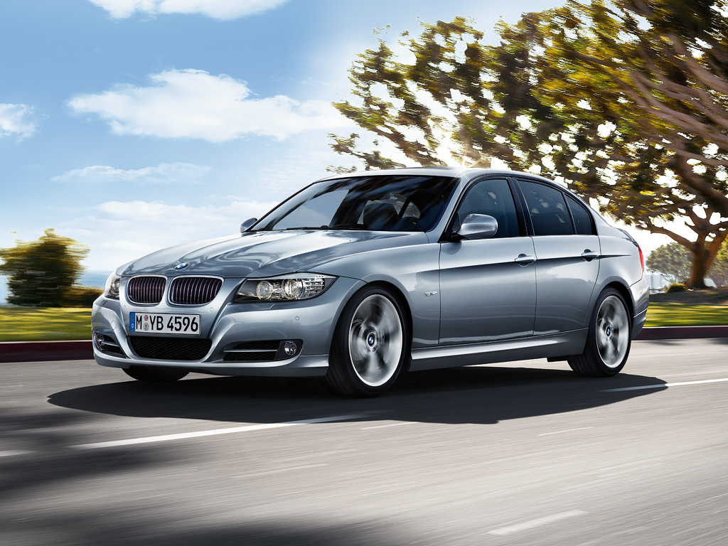 bmw 3 series m sport package out for grabs in the us autoevolution. Black Bedroom Furniture Sets. Home Design Ideas