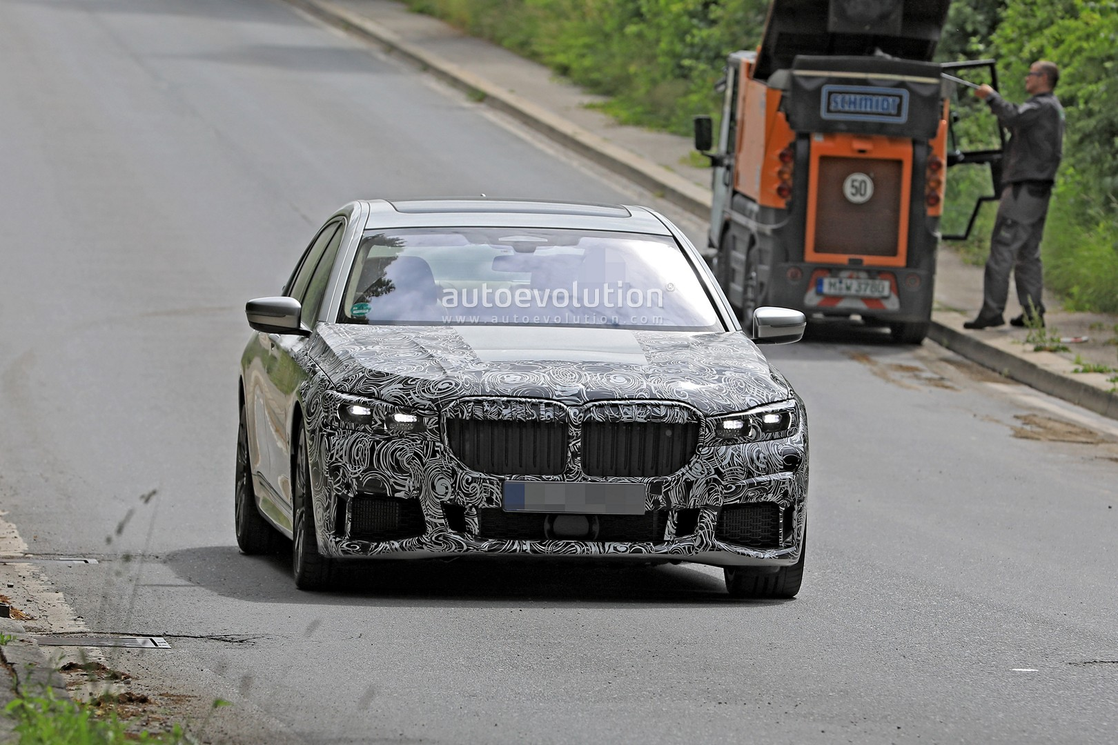 Spyshots Bmw 7 Series Refresh Sports The Mother Of All Kidney
