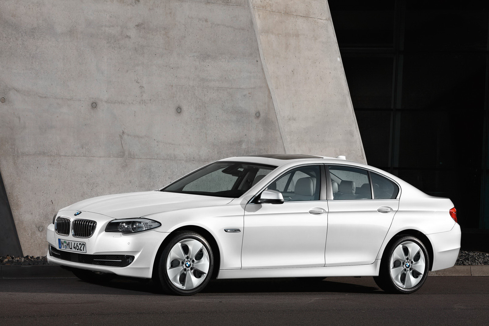 Bmw Announces 5 Series Improved Engine Range M Sport