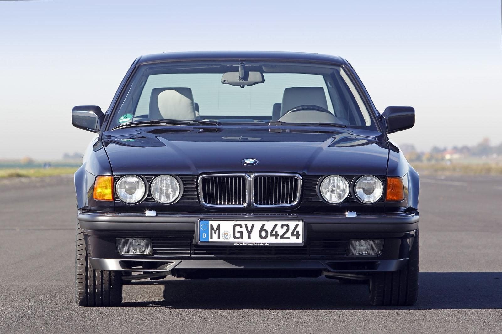 BMW Celebrates Years Of Cylinder Engines Autoevolution - Bmw 25